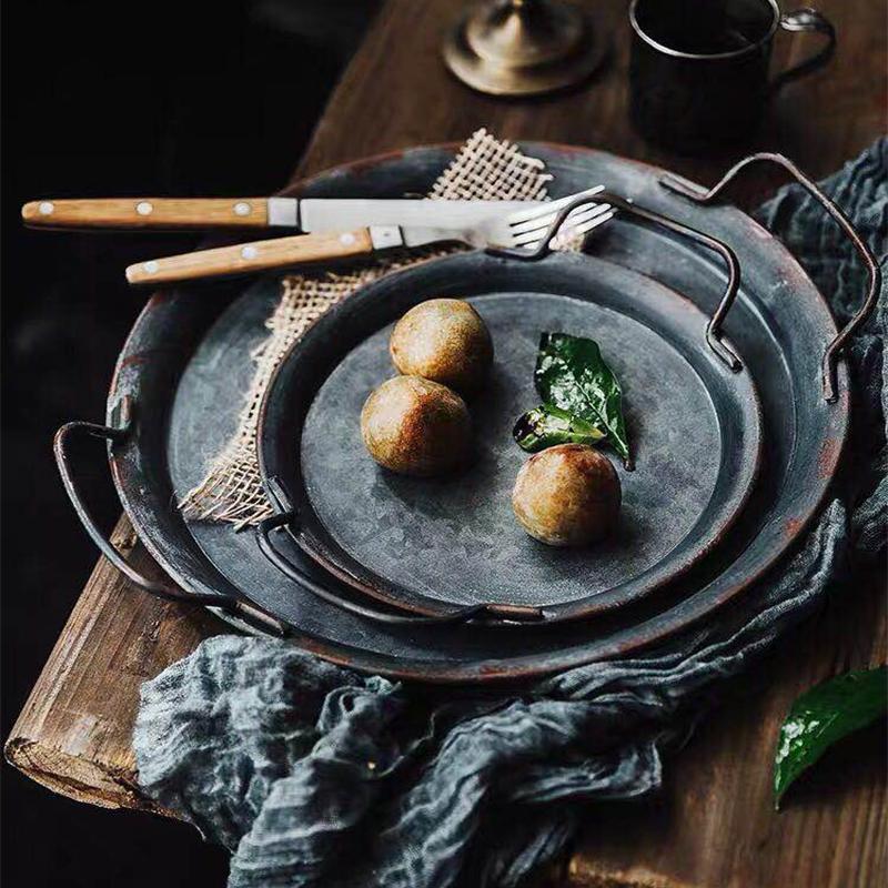 Европейский Ретро металлическая пластина с ручками ручной работы Круглый Кованое Урожай Хранение хлеба лоток Домашнее украшение кухни Ресторан Dish