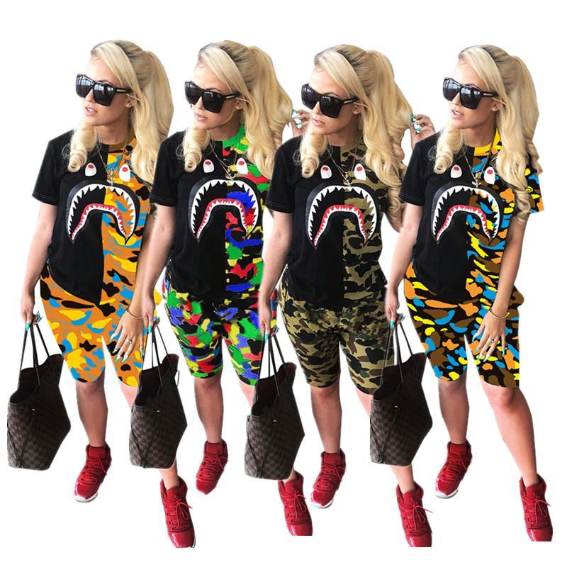 Moda Shark Print Mujeres Shorts Chándal Camuflaje Camiseta de manga corta Tops + Shorts Conjunto de dos piezas Camiseta de verano Trajes casuales 4 colores