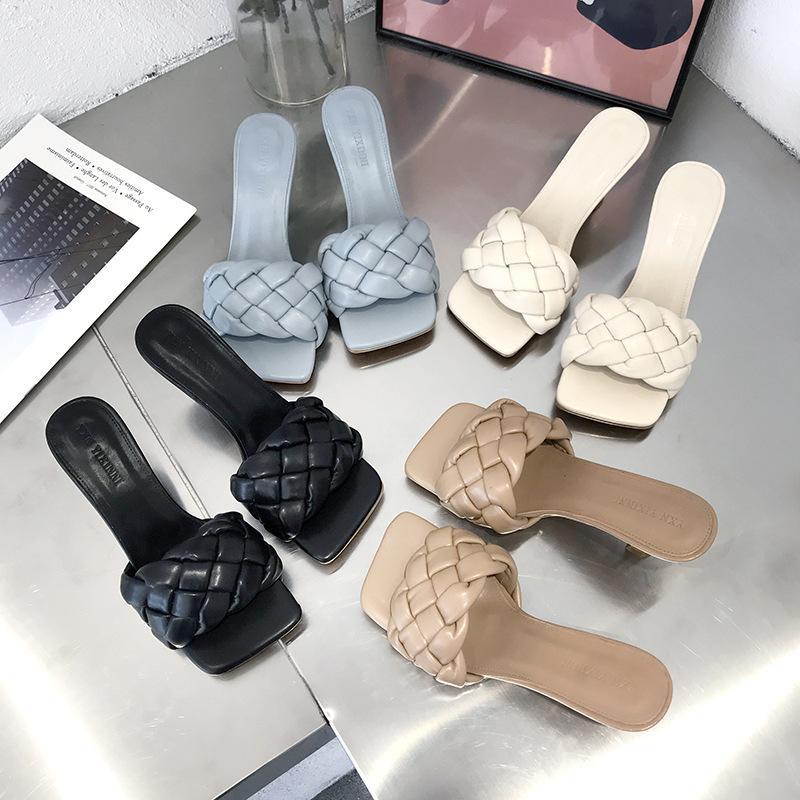 Scarpe pistoni piani Fashion Square diapositive Toe Slipers estate delle donne di lusso del 2020 Shoes PU Roma di base in gomma della punta quadrata Woman's2020