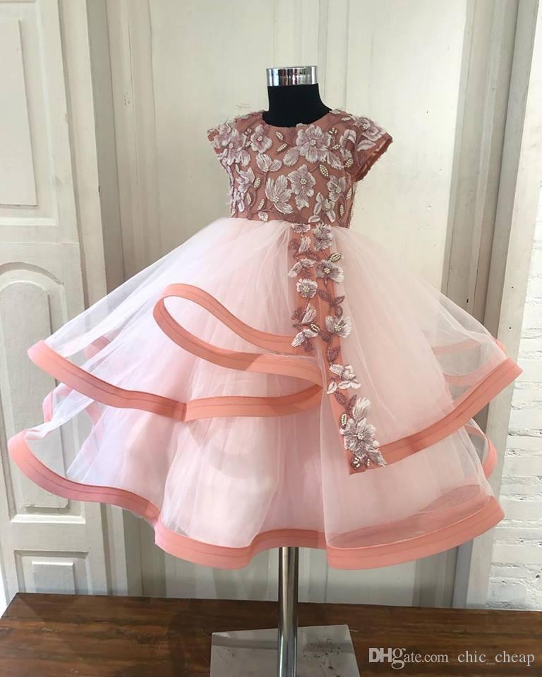 2018 Impresionante de encaje con cuentas Vestidos de niña de flores Vestido de bola de tul Vestidos de novia de niña pequeña Vestidos vintage Vestidos F054
