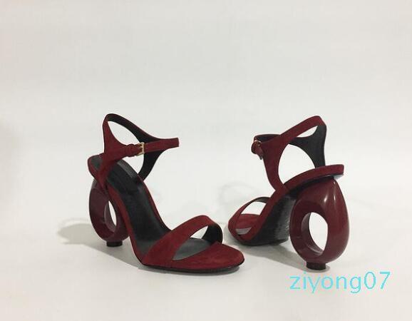 Designer de Verão Preto Bege Buckle Strap Sandals estilo estranho Fretwork Salto Alto Sandalias Mujer sapatas sexy Mulheres Z07