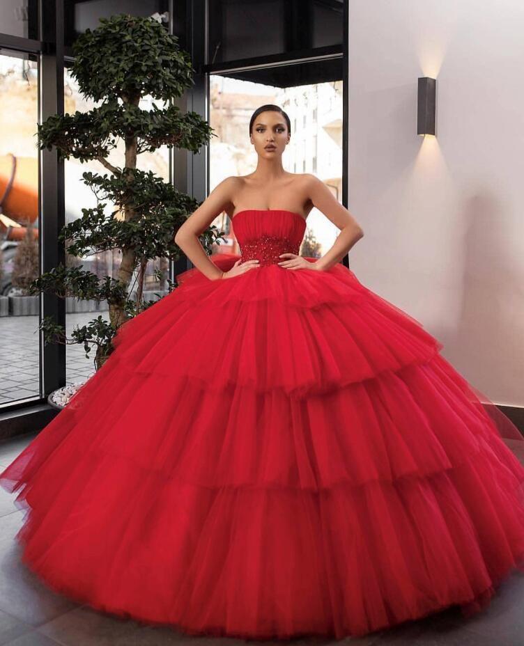 Quinceanera elbise Balo Kırmızı 2020 Yeni Straplez Tül Tatlı 16 Elbiseler Abiye Doğum Günü Partisi Pleats Artı Boyutu Vestidos De 15