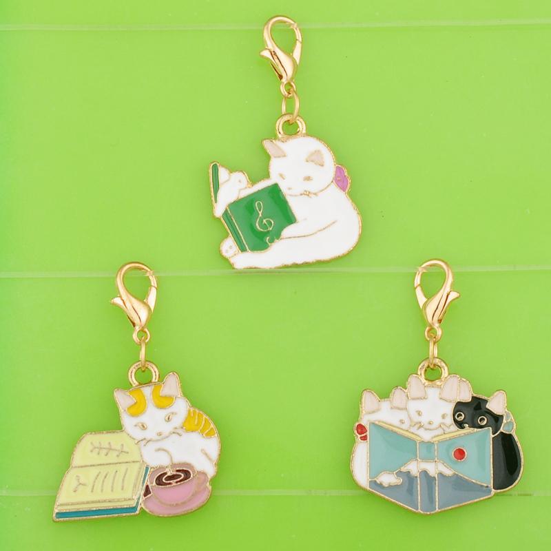 DIY Metall baumelt Emaillefarbe Lernen Cat Kätzchen Anhänger mit Haken mit Anhänger / Halskette / Ohrring Schmuckherstellung Charme