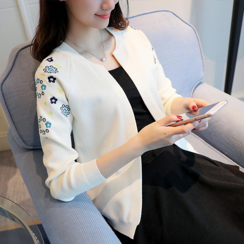 cappotto maglione cardigan Fashion-Knit un cardigan femminile La nuova nuova moda donna bassa 2018 autunno con un piccolo scialle ricamato femminile