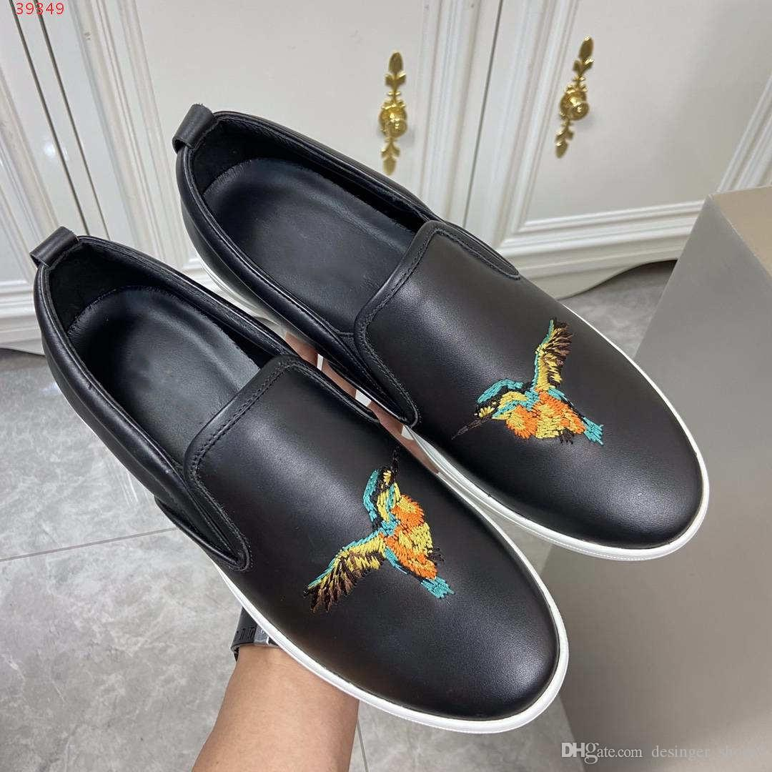 2020 neue klassische Temperament Schwarze Männer Mode Freizeitschuhe Leder Material schwer Handwerk Stickerei ohne Spitze Fischer Schuhe