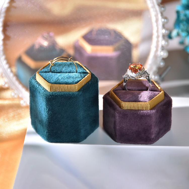 Velvet Jewelry Ring Holder Boutique Shop Showcase Antique Rings Exhibitor Jewellery Statement Ring Display Stand
