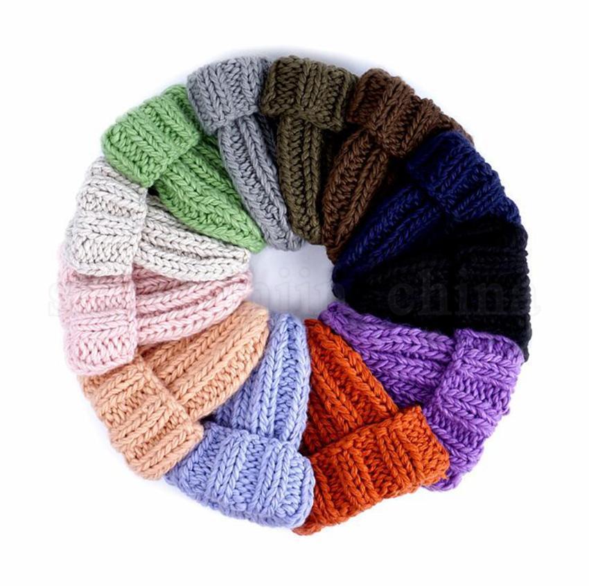 Женщины твердые вязаные шапки 12 цветов зима теплее уха толстые мягкие шапочки лыжная шапочка Skullies шапочки LJJO7090-1