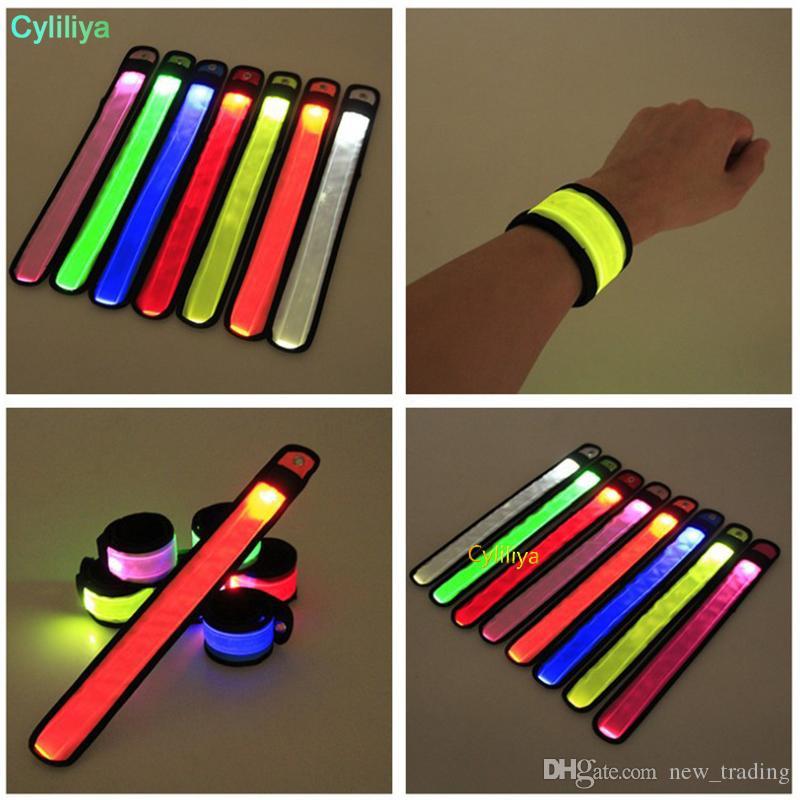 Fasce di nylon LED mette schiaffo cinghia di polso Wristband Flash Light Bracciale d'ardore Armband partito Flare Strap concerto Armband LED lampeggiante Giocattoli