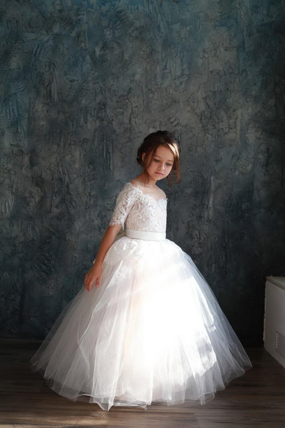 Blancos de marfil del vestido de bola vestidos de niña para bodas de la princesa del cordón de tul media manga de primera comunión santa Vestidos
