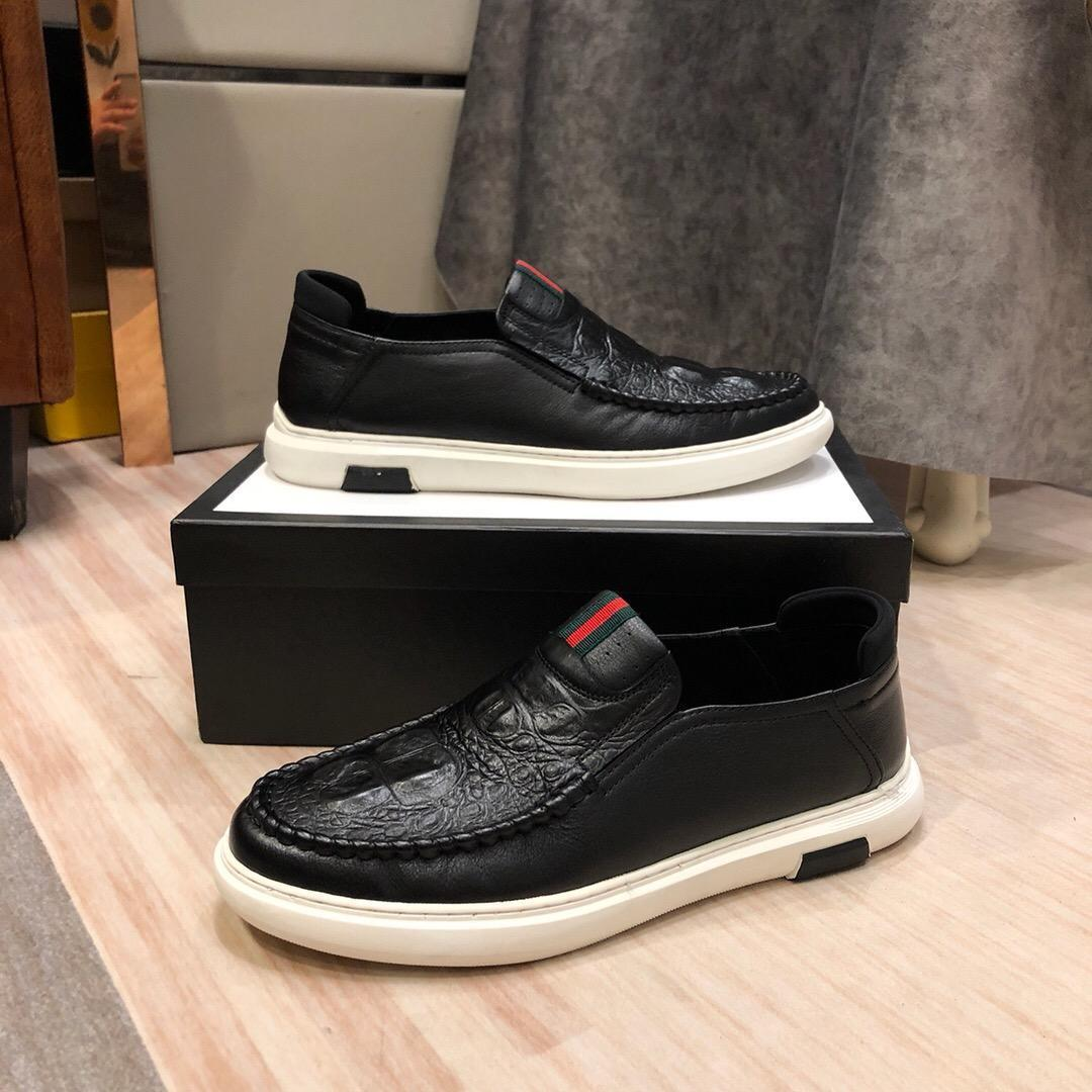 2020Tasarımcı YENİ Erkek Eğitmenler Sneakers Ayakkabıİyi oyunErkek İş Günlük Ayakkabılar 38-46 1020-5