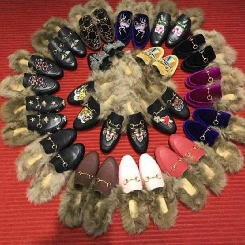 le donne della moda scarpe casual 039 ricamo scarpe peluche fibbie in metallo pantofole pelliccia rubbershoes.Flower, ape, serpente, lettera shoes.Big dimensioni donne! q1