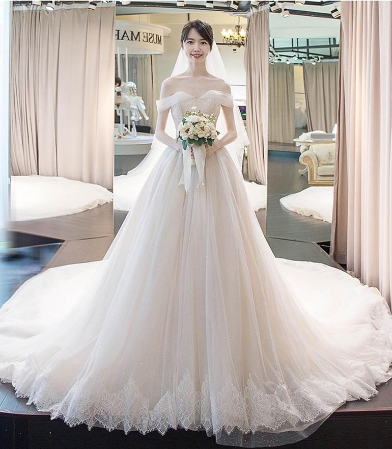 Plus Size Dubai Arabic Luxury Wedding Dresses Sexy Bling Beaded Full Lace Applique Illusion Long Sleeves A Line Chapel Train Bridal Gowns