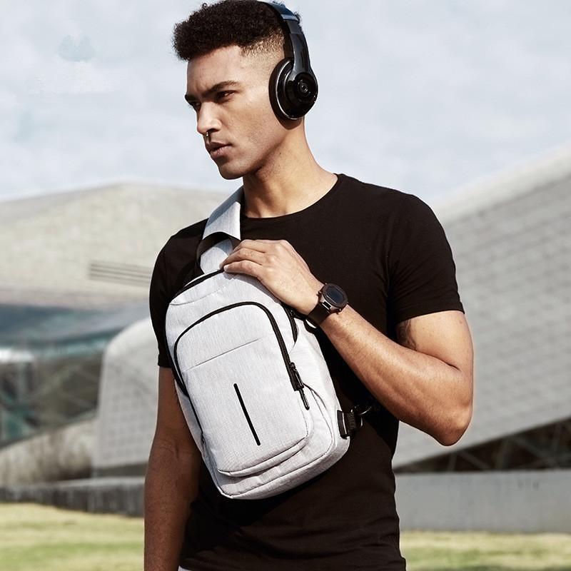 OZUKO Crossbody Bag Homens Chest Bags USB Porta de Carregamento Muti-espaço Sacos de Ombro Moda Pacote de Peito Saco Do Mensageiro de Viagem À Prova D 'Água