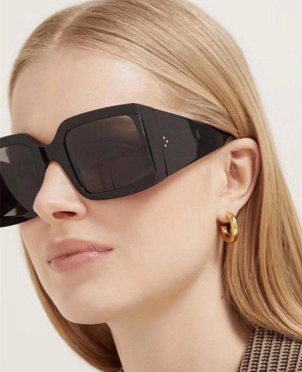 Vente en gros-4S084 Lunettes de soleil vintage de luxe Audrey Mode Femmes Designer Grand cadre Rabat Haut Lunettes de soleil Leopard Plank Frame Venez avec forfait