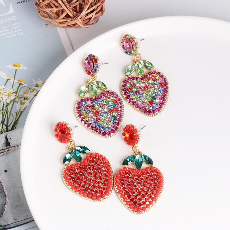 FASHIONSNOOPS Nuove strass fragola orecchini dell'annata di arrivo per i monili delle donne di disegno della frutta di cristallo Orecchini