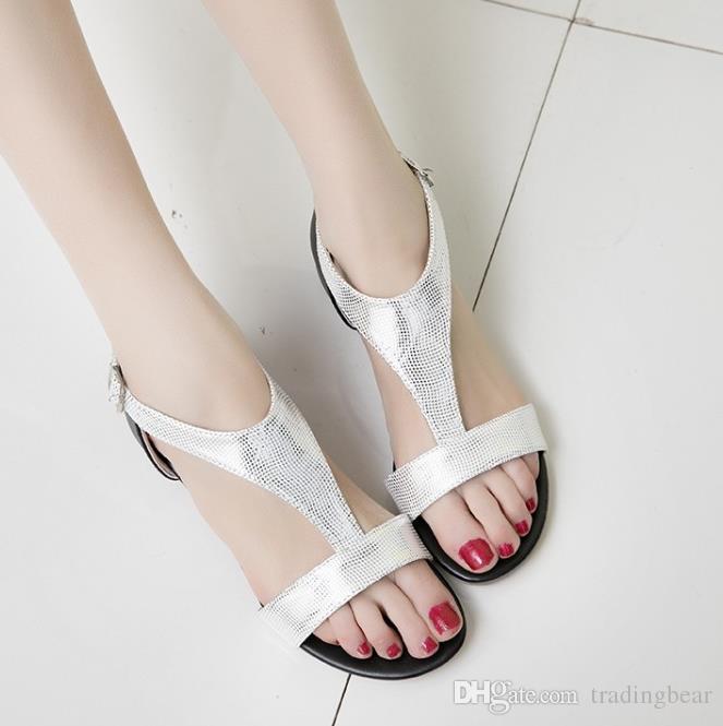 Boyutu 33 ila 42 43 Altın Gümüş t Kayış Sandalet Bayanlar Düz Sandalet Moda Casual Kadın Tasarımcı Ayakkabı Yaz Ticaret için