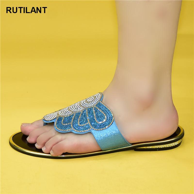 Vendita calda di nuovo modo di stile italiano Sandali africano pantofole delle donne delle signore del pattino per il partito di scarpe da donna 2020