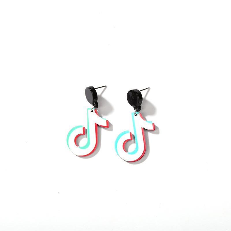 4 Arten Tik Tok Musical Notes Black Stud goldene Ketten Stern Asymmetrische Ohrringe für Frauen Ohrringe mischbaren