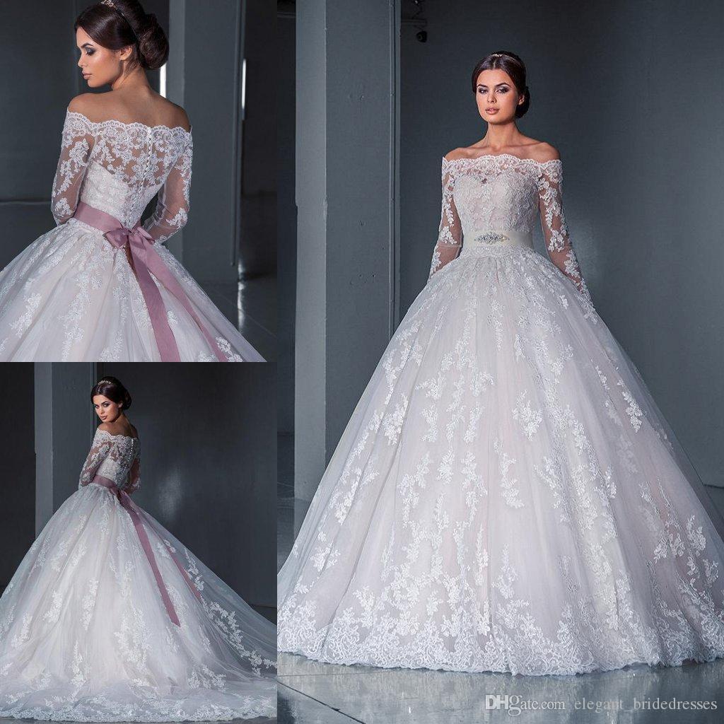Lujoso vestido de bola Princesa Vestidos de novia de encaje 2019 Nuevo fuera del hombro Manga larga Capilla Tren Tul Apliques Cuentas Vestidos de novia