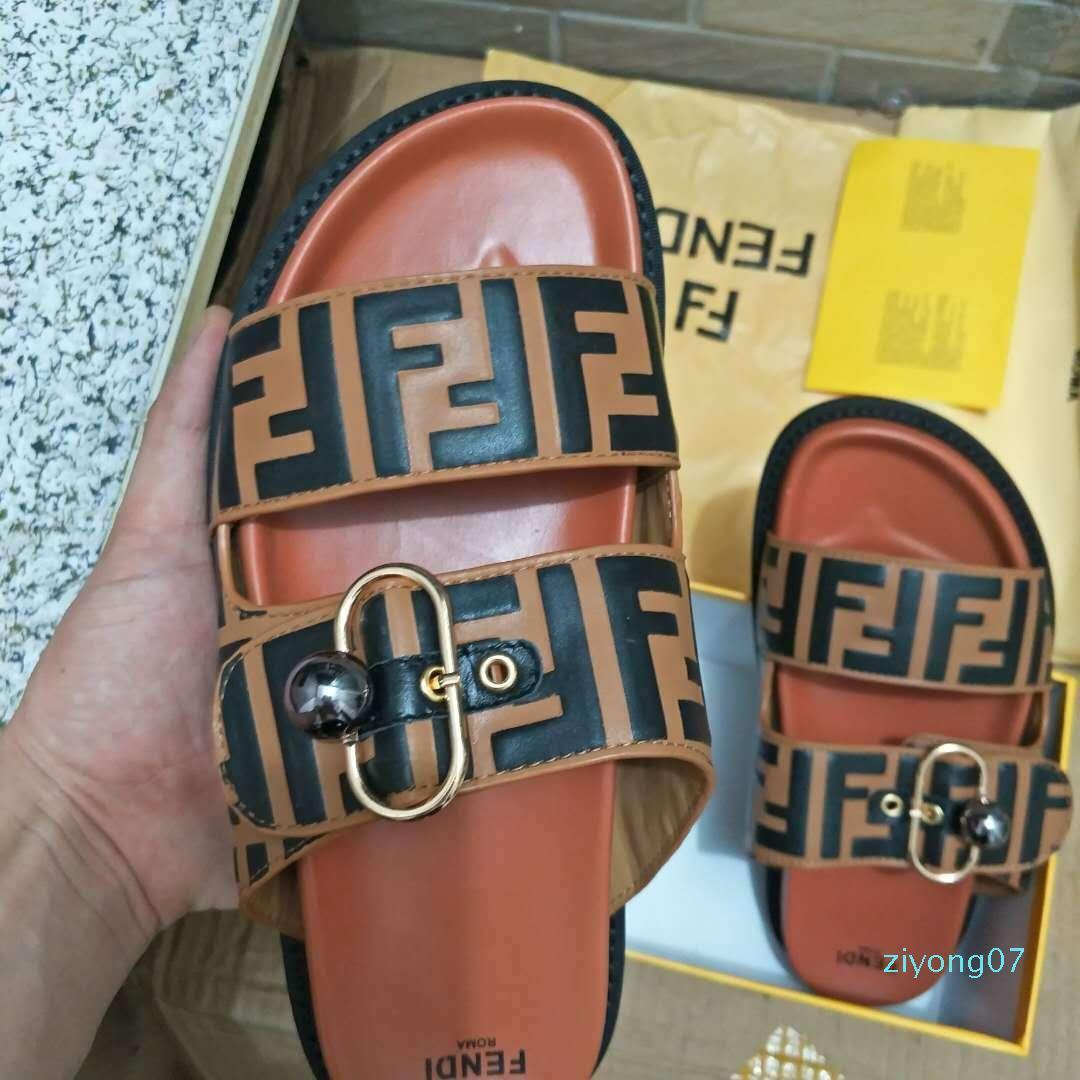 Procurar semelhante 44 Homens Mulheres Sandals Deslize Designer Shoes Luxo Summer Fashion Ampla Plano Slippery Com Thick Sandals Z07