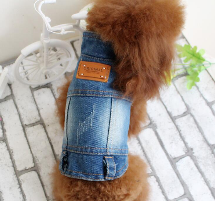 2020 pet dog clothes Teddy VIP Bichon pet autumn clothing retro scratch pattern personality denim vest free shipping 060110