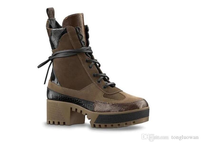 Calda design Desert Boot Women Classic Tall Stivali stivali da donna in pelle di neve WinterMartin Boots Signora di gomma spessa tacco grosso 68755