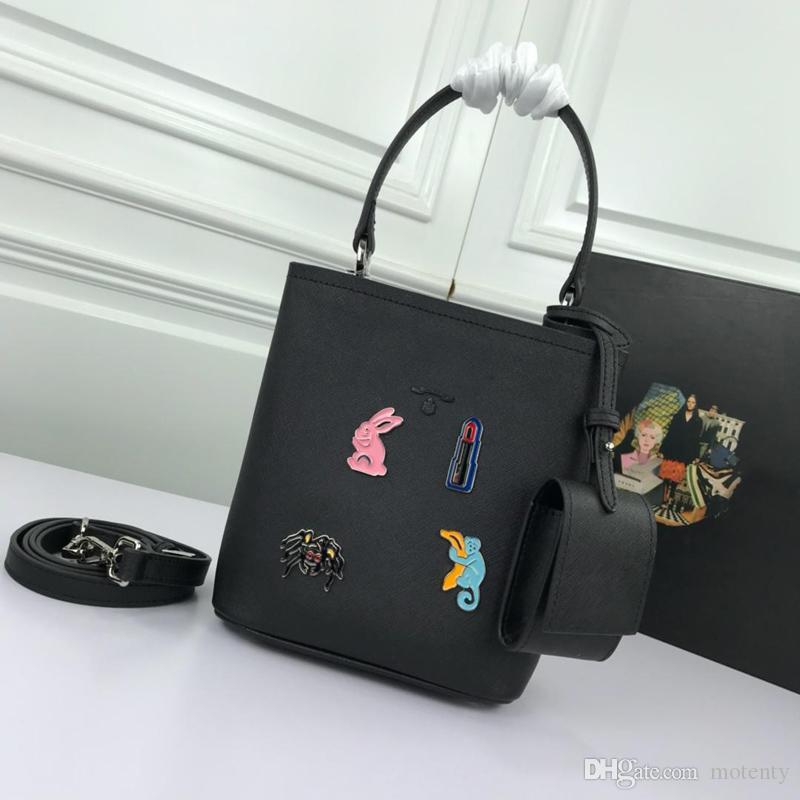 2019 модные дизайнерские сумки класса люкс, модные сумки на одно плечо, кожаные изделия, супер вместимость, классическая печать номер: 1BA217