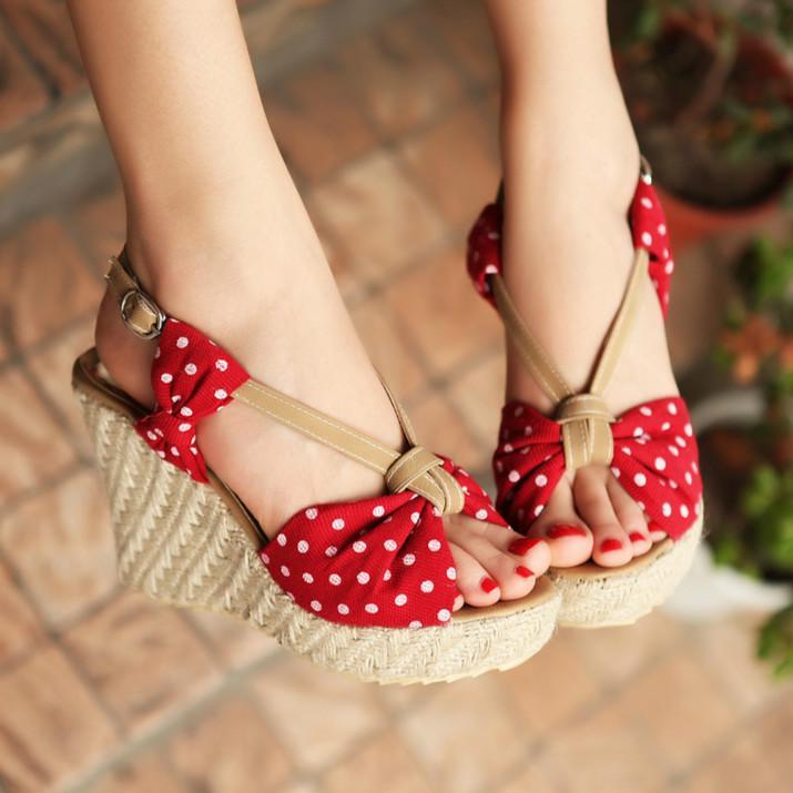Sapatos plataforma Sandals Cunhas para as Mulheres 2020 Moda Salto Alto Sandles das bolinhas bonitos Shoes Bow Verão senhoras Blue Black Red