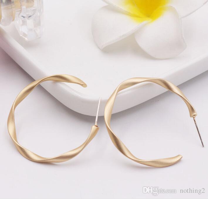 S925 aiguille d'argent c oreille anneau argent broche muet or everbright rétro torsion géométrique boucles d'oreilles bijoux mat
