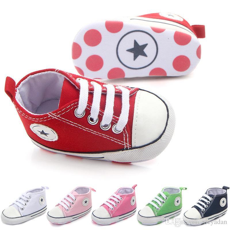 새로운 캔버스 베이비 운동화 스포츠 신발 소녀 신생아 신발 베이비 워커 유아 유아 부드러운 바닥 안티 슬립 최초의 워커