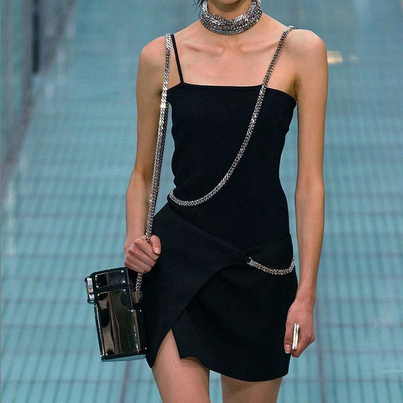INS Mode féminine Parti Robes personnalité style simple robe noire sexy taille haute Backless Robes pour dames