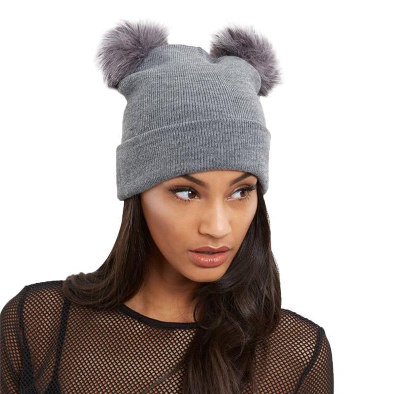 bonnet féminin Chapeau d'hiver de chaud Crochet chapeaux d'hiver Femmes Knit double fausse fourrure Pom Pom Bonnet enfant Cap Czapki zimowe L1015