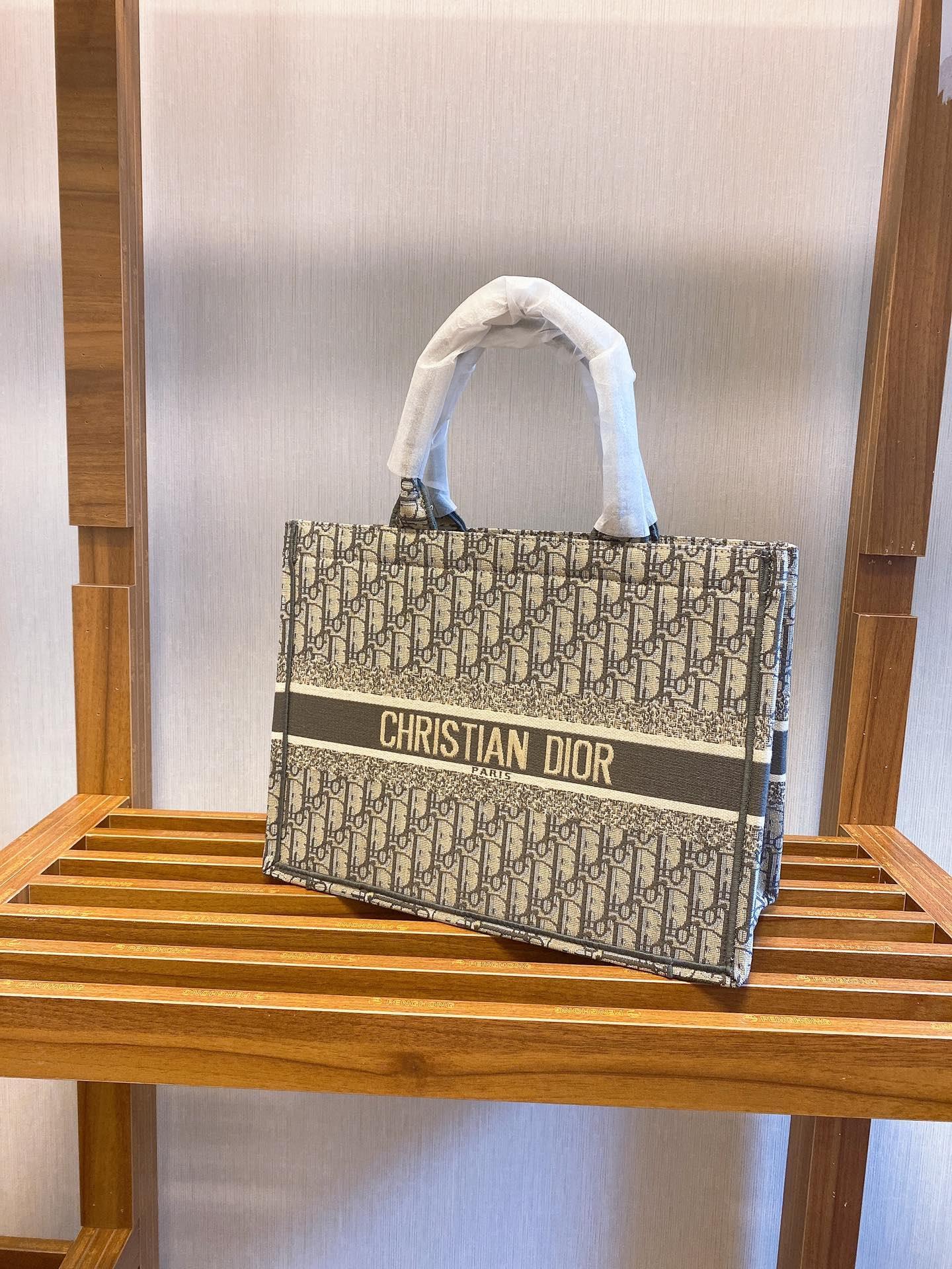 Designer Sac livre brodé fourre-tout de haute qualité sac fourre-tout de luxe sac à main de marque femmes sacs Designer Sac à bandoulière 01465