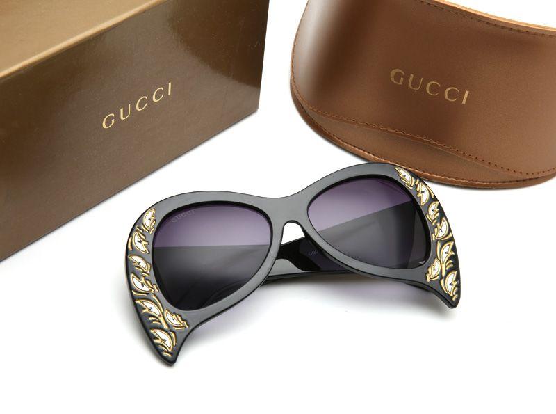 progettista di lusso occhiali da sole per gli uomini dello stilista di vetro di Sun cornice ovale Rivestimenti in fibra di carbonio Specchio UV400 lente gambe stile eyewear estate