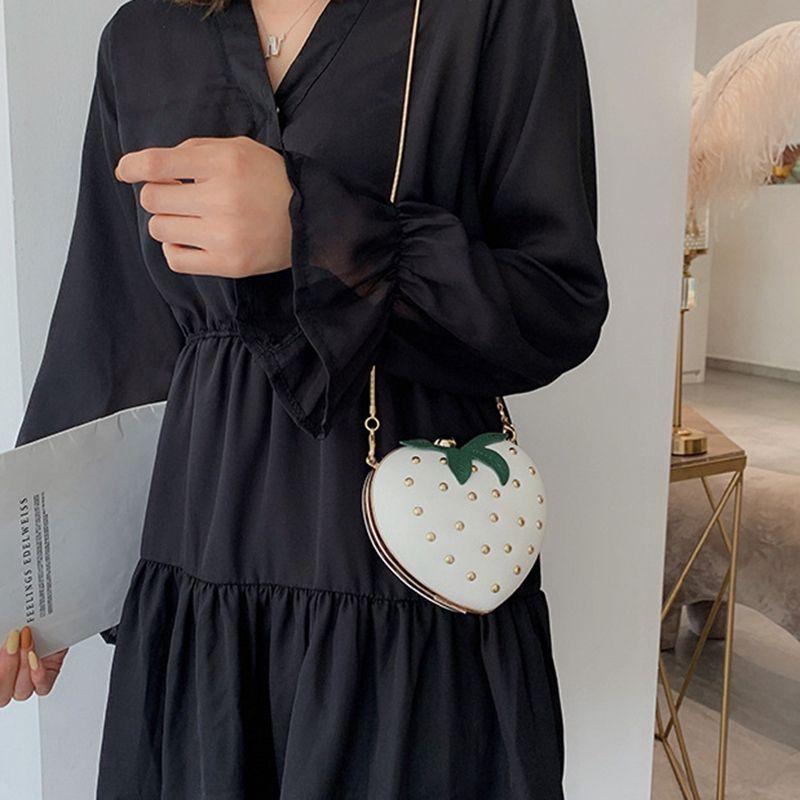 Designer- Mignon Fraise Coeur Pu Goujons Fashion Lady chaîne Porte-monnaie Pochette sac à main