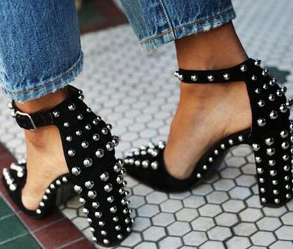 Fashion2019 Single Fashion dernière chaussure Sharp rivet grossière avec Go excellent à talons hauts va coder les chaussures