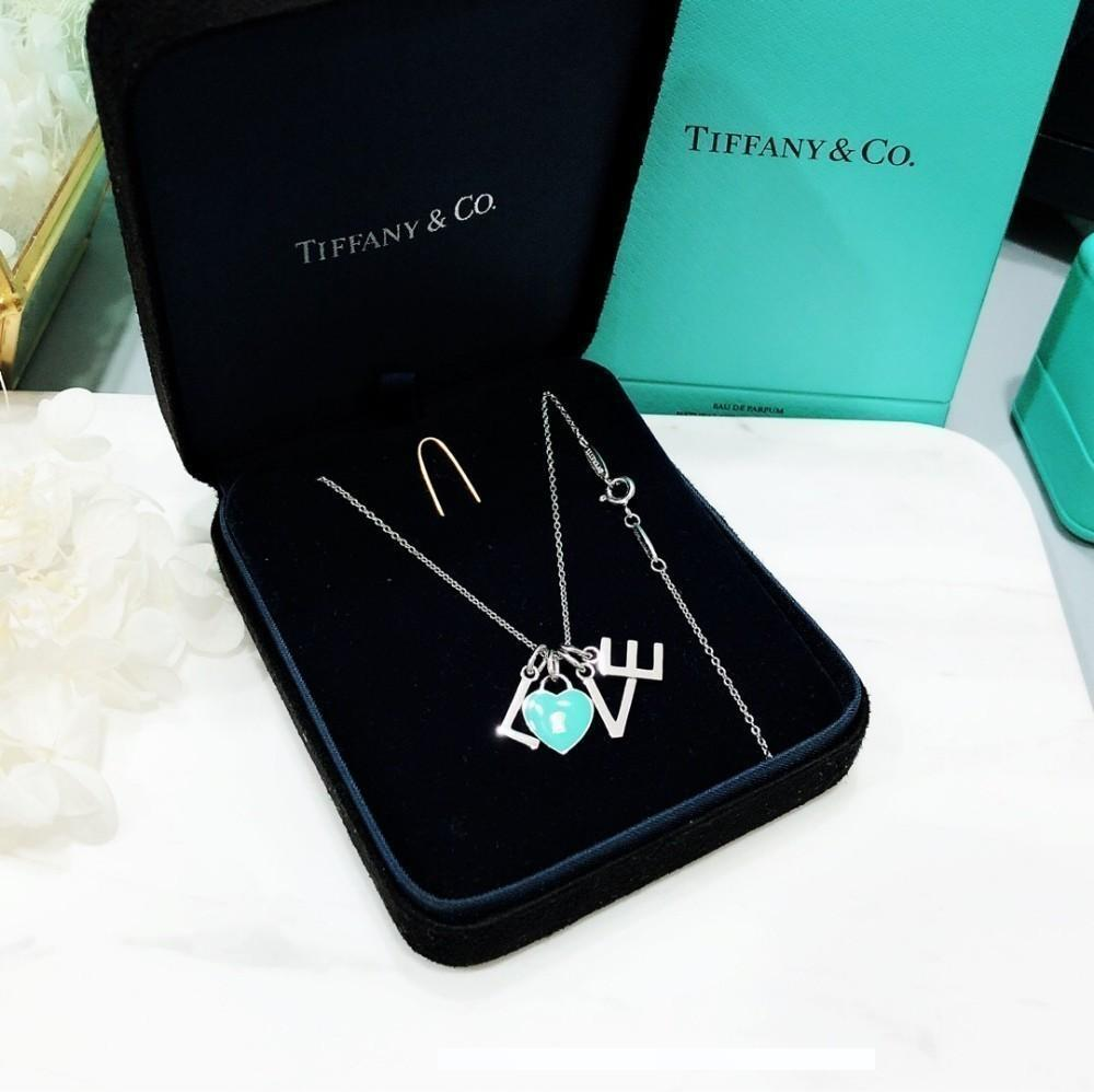 2019 Fashion Exploding Subtitles Hanging Luxury Classic necklaces for women of