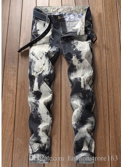 Weihnachten 2019 neue Ankunft! Gerade neue europäische und amerikanische Außenhandel Persönlichkeit Herrenhosen Jeans getragen ..