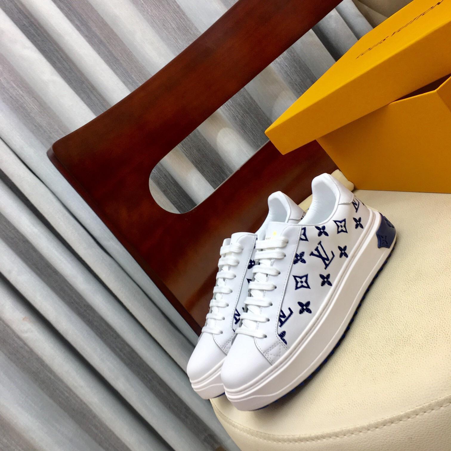 Mode Frauen Schuhe 2020 neue beiläufige Schuhe Plattform beiläufige hohe Qualität Paar flache Schuhe der Frauen mit Kasten Verschiffen