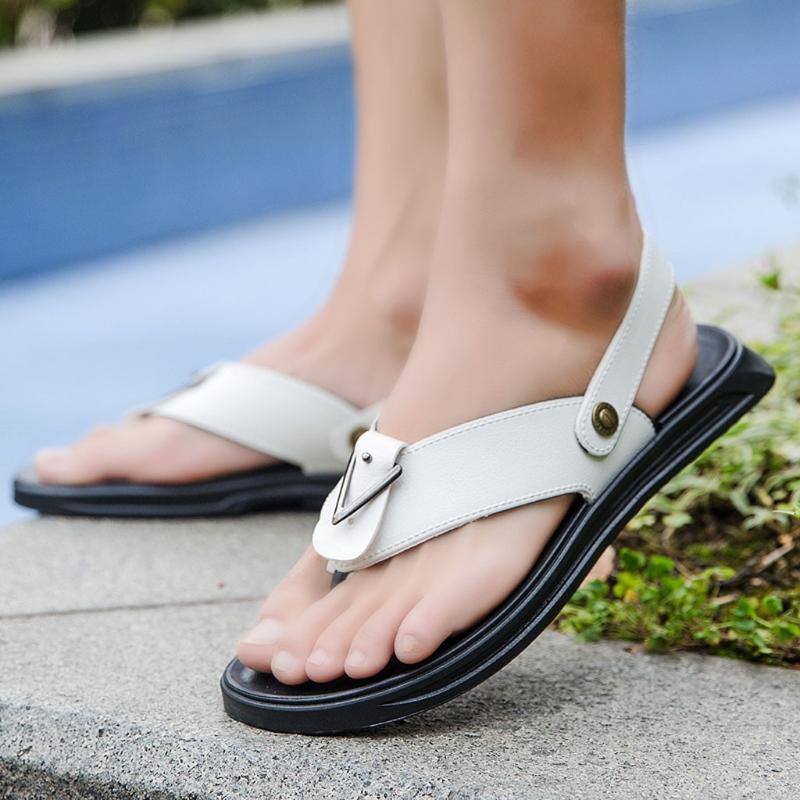 Sommer-Sandelholz-Men Outdoor Wasser Sandalen Anti-Rutsch-Peep-Toe-Strand-Schuhe rutschfeste leichte flacher Strand Schuhe für Männer