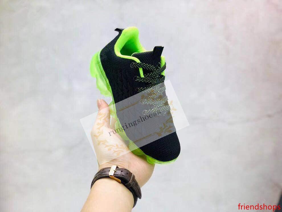 2020 Crianças Running Shoes tn Triplo Preto infantil Sneakers arco-íris ser verdadeiros filhos Sport Shoes Meninos Meninas Tênis Trainers