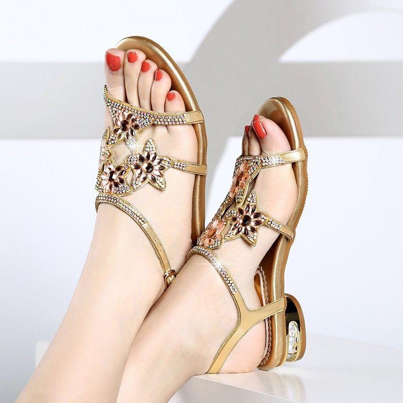 2020 лето новый плоский низ горный хрусталь сандалии женщины низкий каблук открытый носок Кристалл мода Алмаз женская обувь плюс размер пляжная обувь