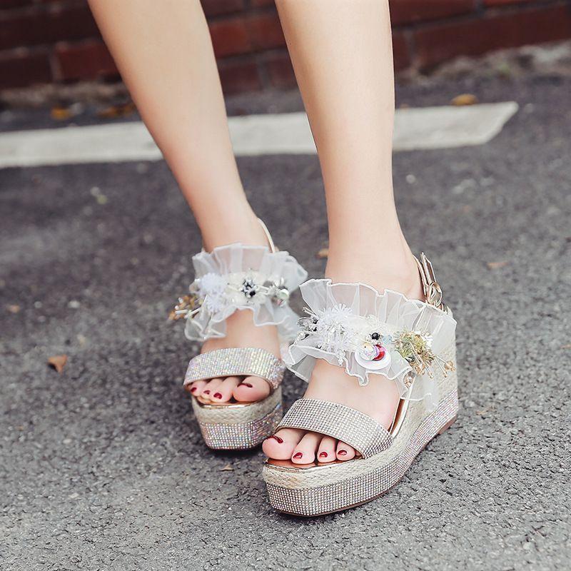 Magical2019 Eğim Kadın Joker Rhinestone Yüksek Sandalet Ile Tatlı Kalın Alt Çörek bayan Ayakkabıları