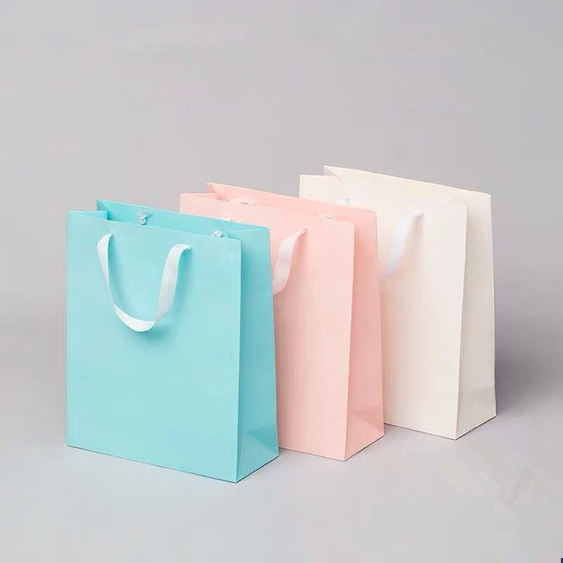شخصية قابلة للتحلل قابلة لإعادة الاستخدام ميلاده Paperbags الزفاف مخصصة كرافت ورقة كيس هدية للمجوهرات مع شعار الطباعة