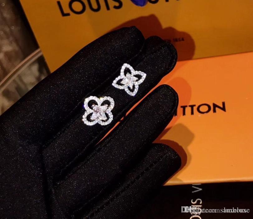 L famosi orecchini di lusso Four Leaf Clover diamante designer di gioielli orecchini vite prigioniera fashional monogramma resille orecchini