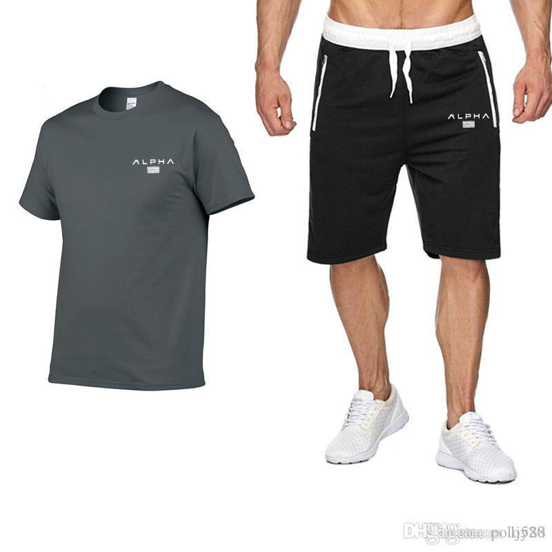 Designer tendance été de sport pour hommes occasionnels costume été les shorts manches courtes 2 marque de mode en deux parties T-shirt
