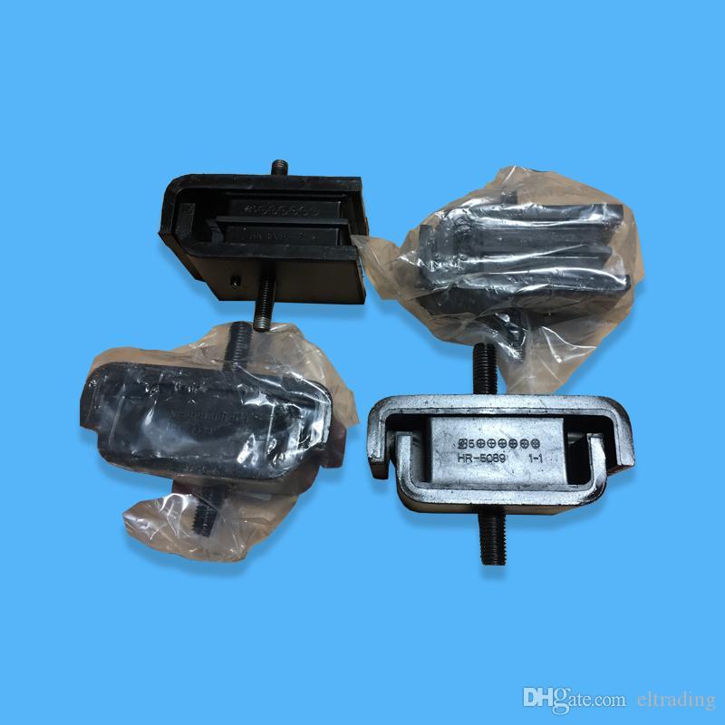 Ön ve Arka Kauçuk Yastık Motor Montaj Parçaları 4624866 4641027 Fit Ekskavatör ZX200-3 ZAX200-3 ZX210H-3 ZX210LCN-3 ZX240N-3 4HK1