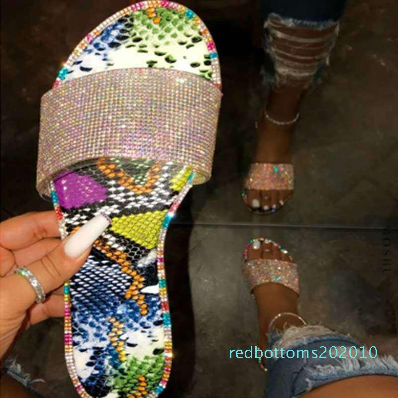 Sandali estate per le donne spiaggia Donne Bling pantofole signore di cristallo di diapositive appartamenti Gladiator Sandals scarpe femminili Sandalia Feminina r10