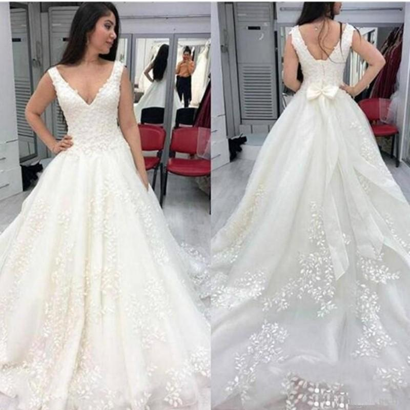 New Arrival Elegant V Neck Lace Appliques Wedding Dresses 2020 with Bow Court Train Lace Up Back Tulle Wedding Bridal Gowns Plus Size