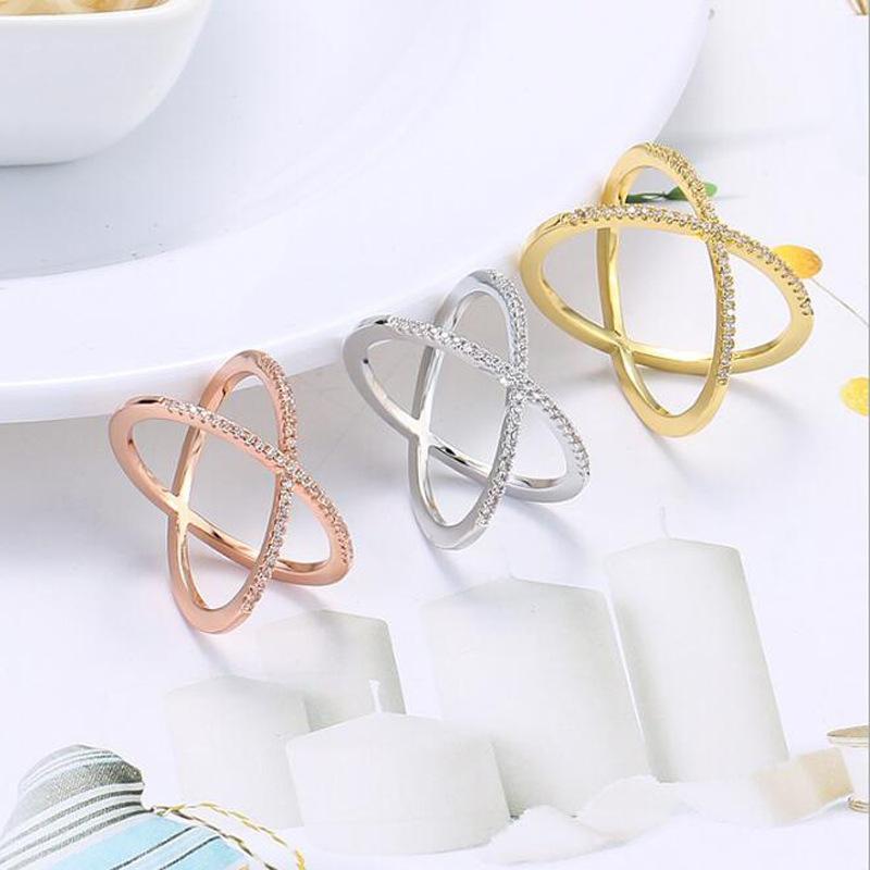 De estilo retro anillo de Amazon cruz-cruz-cobre-zirconio mano R010.